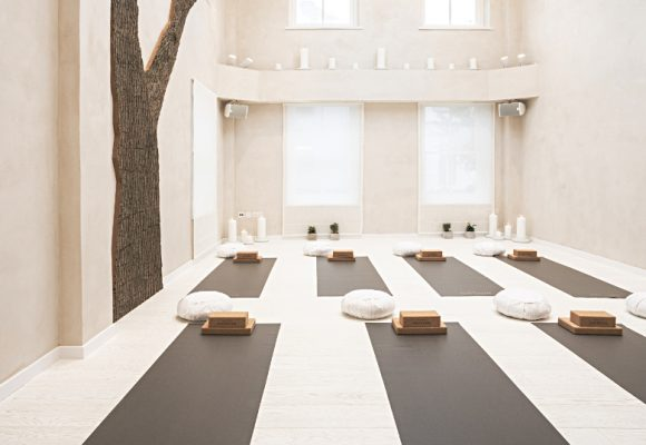 Bamford Spa yoga studio promotes wellbeing through healthy lifestyle and surrounds.